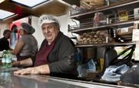 Loreno Tetti - nuovo chiosco - Milano - 04-10-2012 - Il chiosco dei panini anti N'drangheta
