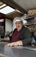 Loreno Tetti - nuovo chiosco - Milano - Il chiosco dei panini anti N'drangheta