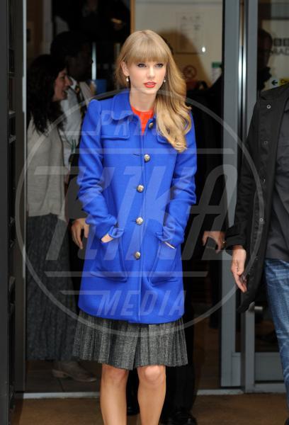 Taylor Swift - Londra - 05-10-2012 - Corto e colorato: ecco il cappotto di primavera