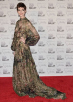 Anne Hathaway - New York - 20-09-2012 - Anne Hathaway nella commedia romantica Lizzie Gillespie