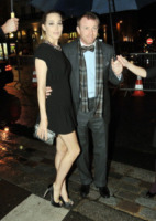 Jacqui Ainsley, Guy Ritchie - Parigi - 19-01-2012 - Guy Ritchie fidanzato con Jacqui Ainsley