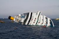 Costa Concordia - Isola del Giglio - 19-01-2012 - Costa Crociere licenzia il comandante Francesco Schettino
