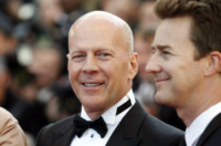 Edward Norton, Bruce Willis - Cannes - 16-05-2012 - Bruce Willis dà in beneficenza il suo resort di montagna