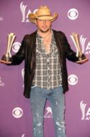 """Jason Aldean - Las Vegas - 01-04-2012 - Jason Aldean: """"In famiglia va tutto bene"""""""
