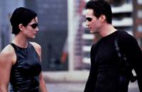 Carrie-Anne Moss, Keanu Reeves - Hollywood - 23-07-2004 - Le eroine del grande schermo combattono per un mondo più rosa