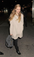 Amanda Seyfried - New York - 13-10-2012 - L'inverno porta in dote i colori neutrali, come il beige