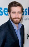 Jake Gyllenhaal - New York - 03-04-2012 - Jake Gyllenhaal sostiene Mitt Romney, ma è un falso
