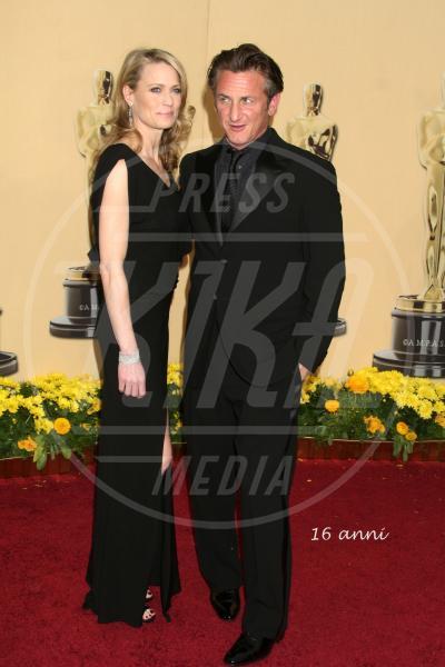 Robin Wright, Sean Penn - Hollywood - 16-10-2012 - Michael Moore  e Kathleen Glynn si sono detti addio