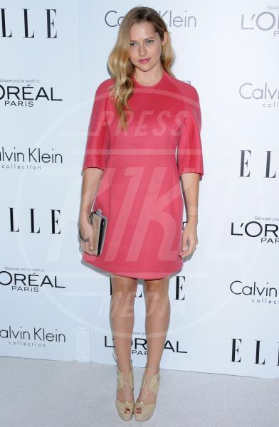 Teresa Palmer - Hollywood - 16-10-2012 - Quest'anno la primavera è tutta fucsia!