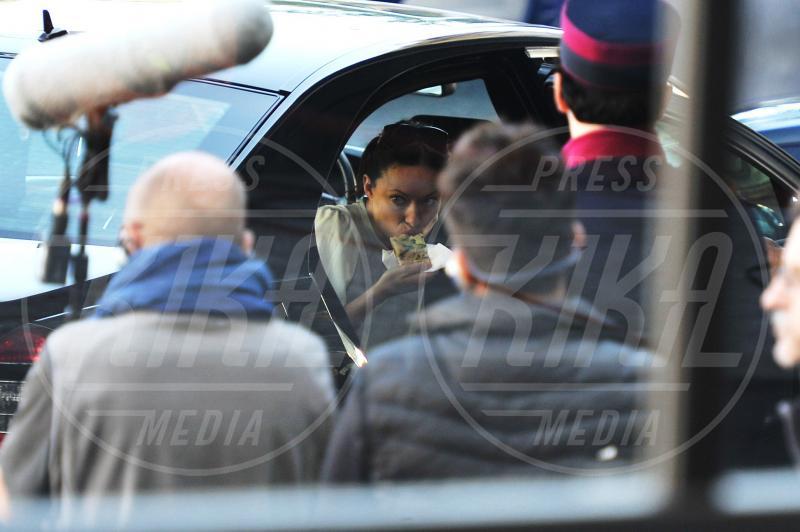 Olivia Wilde - Roma - 18-10-2012 - Star come noi: Selena Gomez, anche i famosi mangiano in auto