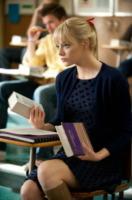 Emma Stone - Los Angeles - 19-10-2012 - Leggere, che passione! Anche le star lo fanno!