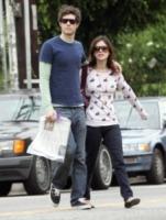 Adam Brody, Rachel Bilson - Hollywood - 25-11-2005 - Il pigiama valica i confini di casa con le star