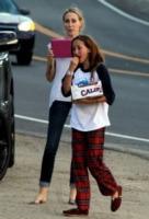 Leticia Cyrus, Noah Cyrus - Los Angeles - 03-09-2012 - Il pigiama valica i confini di casa con le star
