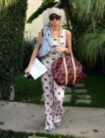 Paris Hilton - Hollywood - 04-11-2006 - Il pigiama valica i confini di casa con le star