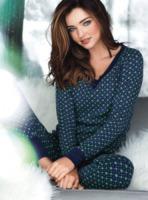 Miranda Kerr - Marbella - 19-09-2012 - Il pigiama valica i confini di casa con le star