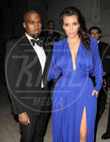 Kim Kardashian, Kanye West - New York - 23-10-2012 - Non solo lato B! Overkim prende la vita… di petto!