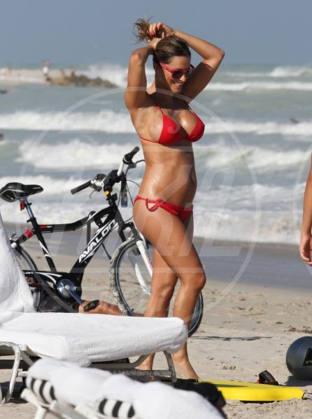 Lola Ponce - Miami Beach - 27-10-2012 - Lola Ponce a Miami: quando la gravidanza ti rende sexy