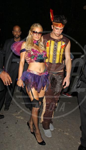 River Viiperi, Paris Hilton - Los Angeles - 28-10-2012 - A Hollywood, la celebrità è in maschera a Halloween