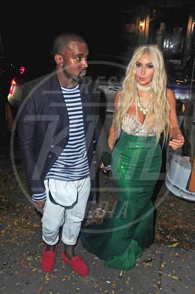 Kim Kardashian, Kanye West - New York - 27-10-2012 - A Hollywood, la celebrità è in maschera a Halloween