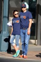 Mila Kunis, Ashton Kutcher - New York - 23-09-2012 - Mila Kunis bersagliata dalle voci di una presunta gravidanza