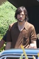 Ashton Kutcher - Los Altos - 12-06-2012 - Mila Kunis bersagliata dalle voci di una presunta gravidanza