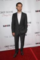 Tobey Maguire - Hollywood - 29-10-2012 - Morta a 21 anni Skye McCole Bartusiak