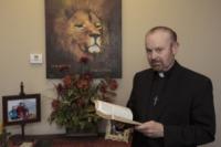 Bob Larson - Scottsdale - 30-10-2012 - Le sorelle Scherkenback unite nel nome dell'esorcismo