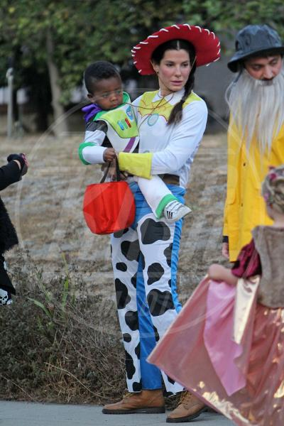 Louis Bullock, Sandra Bullock - Los Angeles - 31-10-2012 - A Hollywood, la celebrità è in maschera a Halloween