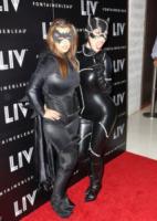 Kourtney Kardashian, Kim Kardashian - Miami - 01-11-2012 - Ad Halloween le star si vestono così