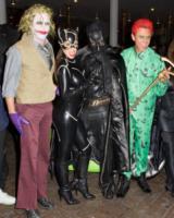 J, Scott Disick, Kourtney Kardashian, Kim Kardashian, Kanye West - Miami - 01-11-2012 - Ad Halloween le star si vestono così