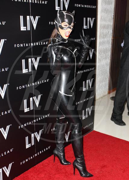 Kim Kardashian - Miami - 01-11-2012 - Star come noi: ecco la festa di Halloween delle celebrità