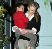 Nicole Kidman - Brentwood - 25-10-2006 - Nicole Kidman è incinta del suo primo figlio