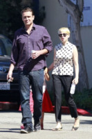 Matilda Ledger, Jason Segel, Michelle Williams - Los Angeles - 27-08-2012 - Jason Segel e Michelle Williams hanno perso la casa per Sandy