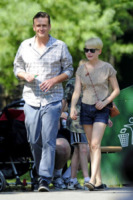 Jason Segel, Michelle Williams - New York - 31-08-2012 - Jason Segel e Michelle Williams hanno perso la casa per Sandy