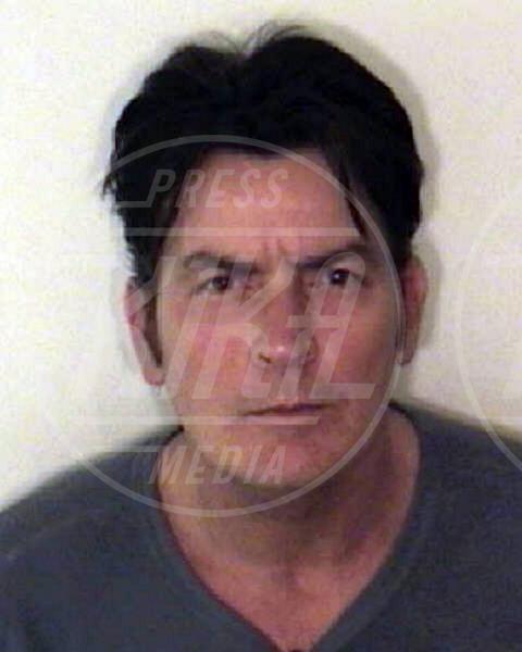 Charlie Sheen - Aspen - 08-02-2010 - Non si è una vera star se non si finisce in galera
