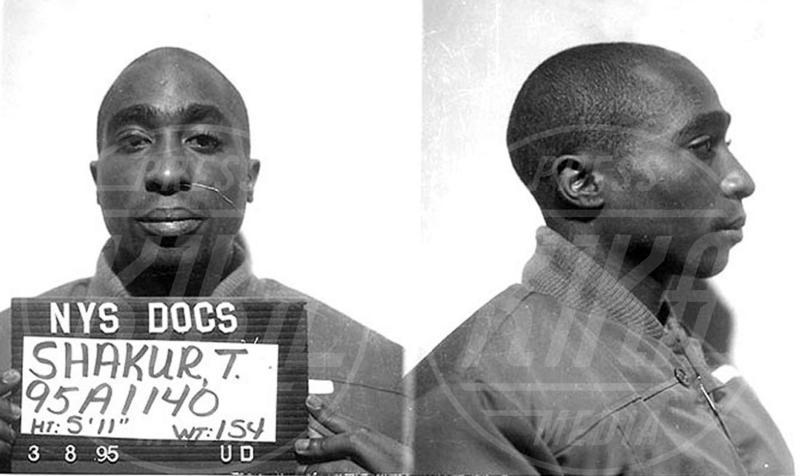 Tupac Shakur - Hollywood - 27-07-2010 - Non si è una vera star se non si finisce in galera