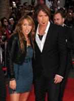 Billy Ray Cyrus, Miley Cyrus - Hollywood - 02-04-2009 - Billy Ray Cyrus porterà la figlia all'altare in tre cerimonie