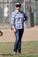 Reese Witherspoon - Los Angeles - 27-10-2012 - Brian Austin Green ringrazia Reese Witherspoon alla radio