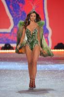 Miranda Kerr - New York - 07-11-2012 - Miranda Kerr e Photoshop: troppa vanità o solo una gaffe?