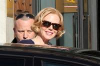 Nicole Kidman - Genova - 14-11-2012 - Vita stretta e gonna ampia: bentornati anni '50!