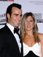 Justin Theroux, Jennifer Aniston - Beverly Hills - 14-11-2012 - Justin Theroux nel pilot di Rapture, diretto da Damon Lindelof