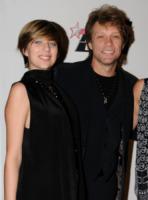 Bon Jovi, Jon Bon Jovi - Beverly Hills - 30-01-2010 - Una legge fa cadere le accuse contro la figlia di Bon Jovi