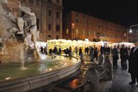 Mercatini di Natale - Roma - 02-12-2011 - I mercatini di Natale, soluzione low-cost per i regali