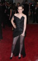 Kristen Stewart - New York - 03-05-2010 - Dalle Converse al nude look: l'evoluzione di Kristen Stewart