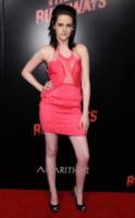 Kristen Stewart - Hollywood - 11-03-2010 - Dalle Converse al nude look: l'evoluzione di Kristen Stewart
