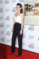 Kristen Stewart - Los Angeles - 03-11-2012 - Dalle Converse al nude look: l'evoluzione di Kristen Stewart