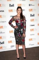 Kristen Stewart - Toronto - 06-09-2012 - Dalle Converse al nude look: l'evoluzione di Kristen Stewart