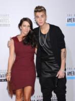 Pattie Mallette, Justin Bieber - Los Angeles - 18-11-2012 - Justin Bieber e Selena Gomez: riuniti e già in crisi