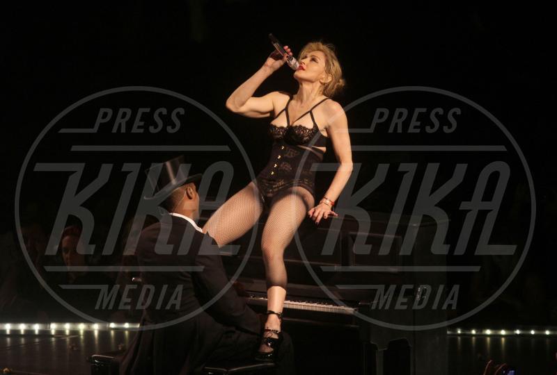Madonna - 13-11-2012 - Madonna spara nel nuovo Secret Project: il trailer