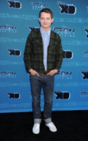 Elijah Wood - Glendale - 11-05-2012 - Elijah Wood difende la produzione di the Hobbit